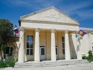 Дворец культуры, расположенный рядом с пляжем