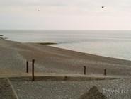 Галечный пляж в Гагре