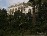 Заброшенный дворец в Гагре