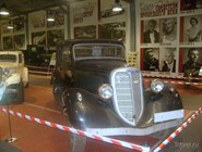 В музее ретроавтомобилей