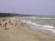 Пляж в поселке Морское