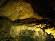 В одном из залов Новоафонской пещеры