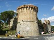 Городская стена с бастионом