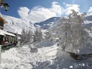 В горах Сьерра-Невады много снега