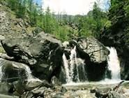 водопад на горе Кынгарга