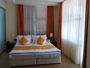 Удобная кровать в гостинице Grand Hotel Velingrad