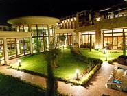 Внутренний дворик Park Hotel Pirin