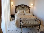 Шикарная спальня в Spa Club Central