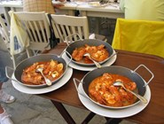 В местных тавернах вкуснейшие морепродукты