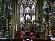 Внутреннее убранство церкви в городе Бад-Хофгастайн