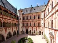 Внутренний двор замка Тратцберг