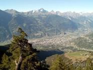Вид на город Аоста из Сен-Кристофа