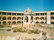 Заброшенная тюрьма на острове Санто-Стефано