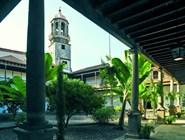 Внутренний двор монастыря в Оротава