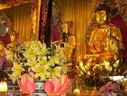 Статуя Будды в буддийском монастыре