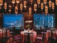 Самые роскошные и именитые рестораны города находятся при отелях