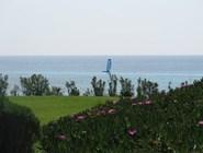 Серфер у побережья Халкидики