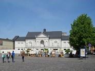 Центральная площадь Клайпеды утром