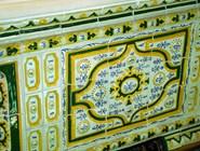Старинная керамическая плитка