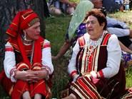 Женщины в татарских костюмах
