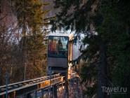 Лифт-фуникулер, который поднимает туристов к отелю Break Sokos Hotel Koli