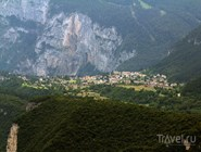 Вид на Фаи-делла-Паганелла летом