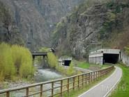 Велодорожка в туннеле платформы Etschtal