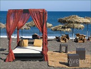 Песчано-ракушечный пляж, остров Санторин, Греция