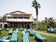 Травяной пляж в Дубае