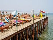 Пляж на пирсе в Набк-Бей