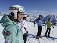Довольные горнолыжники в Кронплаце