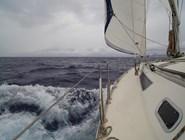 В море бывает шторм
