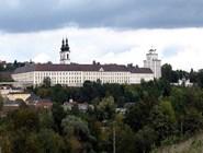 Бенедиктинский монастырь в городке Кремсмюнстер