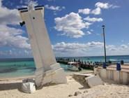 Пляж городка Puerto Morelos