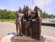Памятник основоположникам хоккея в Воскресенске