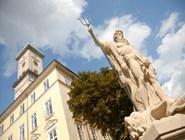 Львовская ратуша и скульптура Нептуна на площади Рынок