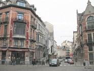 Вид на улицу Ватё, на заднем плане – пример брюсселизации