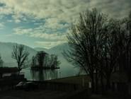 Пейзаж за окном поезда на пути из Цюриха в Люцерн