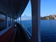 Путешествие на теплоходе позволяет иначе взглянуть на швейцарские пейзажи