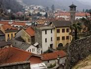 Вид на Беллинцону от замка Кастельгранде