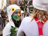 Грим участников парада - настоящее произведение искусства