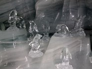 Фигурки в Ледяном дворце