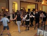 Также можно потанцевать и народные танцы