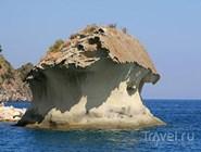 Причудливый островок