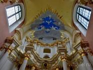 Под куполом собора