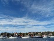 Яхты, небо и город