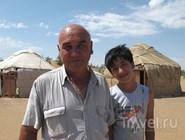 Наби помогает отцу