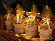 Угощение для монахов в отеле Santhiya Resort and Spa Koh Phangan