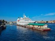 Круизные суда привозят в Петербург более полумиллиона туристов