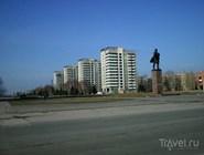 Площадь и памятник Ленину в Волжском